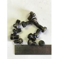 Mossberg .22 angle bar screw  #435-R495
